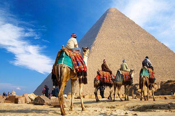Pyramids - Las pirámides