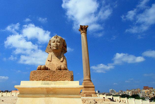 Cali4travel-Egypt Day Tour-pompeys pillar egypt
